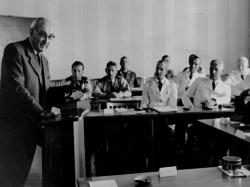 Polizisten während eines Seminars in der Grenzakademie Sankelmark 1954.