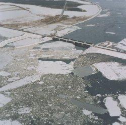 Eisgang vor dem Eidersperrwerk
