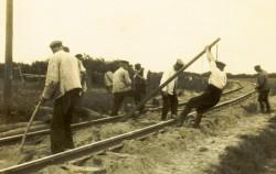 Sanierungsarbeiten an der Schleswiger Kreisbahn 1927