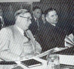 Kabinettskollegen wider Willen: Innenminister Paul Pagel CDU (vorne), daneben Finanzminister Waldemar Kraft und dahinter Sozialminister Hans-Adolf Asbach vom BHE.