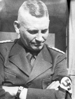 Der Leiter der NPEA Plön SA-Standartenführer Hermann Brunk