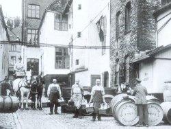 Lange wurde der Rum in den Flensburger Handelshöfen zwischen Holm, Großer Straße und Norderstraße sowie dem Hafen verarbeitet