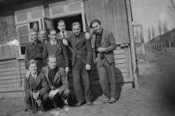 Franzosen und Belgier im Gemeinschaftslager der Ahlmann Carlshütte
