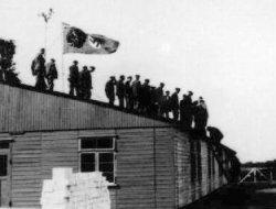 Richtfest des Gemeinschaftslagers der Ahlmann Carlshütte am 20.8. 1943 an der Kampstraße in Büdelsdorf