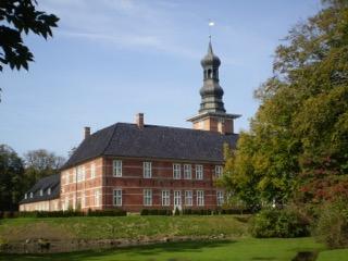 Das Schloss vor Husum bildete als Witwensitz einst einen kulturellen Mittelpunkt (Foto: Thomas Steensen)